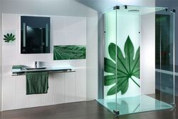 Shower splash back