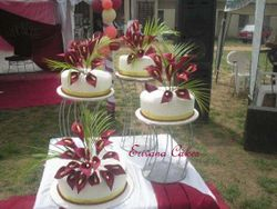 Wine/Red Calla lilies on Ivory Wedding Cake (W023)
