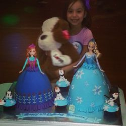Elsa and Anna Cakes