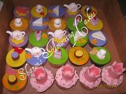 CC30 -Tea party cupcakes