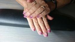Acryl fading fuchsiaglitter met nailart