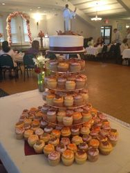 Fall Themed Wedding cake and Cupcakes