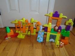 MegaBloks Storytelling Safari Friends Zoo Building Set, 65-Pieces - $17