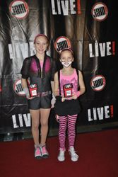 Gwen and Faith win Celebrity Standout