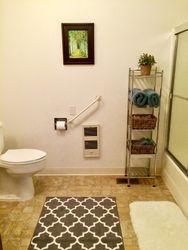 A/B unit 2nd Bathroom