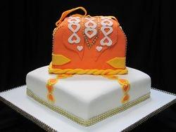 Fancy purse cake