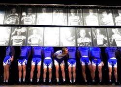 Tom Boonen grapjas (tijdens ploegenpresentatie 2009)