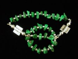 09-00312 Malachite Nugget Stretch Bracelet