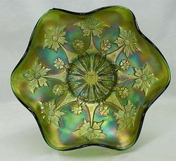 Little Flowers ruffled bowl in green