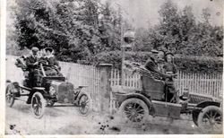 Bill Jennings and Children de Dion Car, Dr & Mrs Webb in 8HP Ford Car