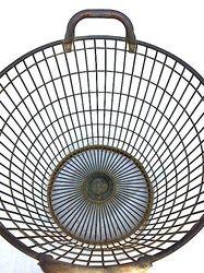 #20/000 Metal Mussel Baskets detail