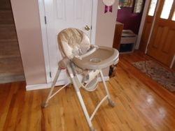 Graco Slim Spaces High Chair - Compact High Chair, Amari - $50