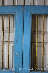 #22/214 Pair Wooden Doors with Iron Bars detail