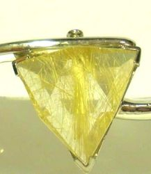 09-00124a Rutilated Quartz Triangle Sterling Circlet Bracelet