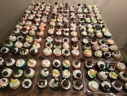 Cupcakes & Pop Cakes 16