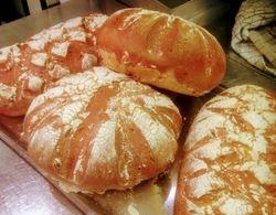 Nybakt brød, hver dag!