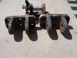 Front Axle Tensioning Cyl. Clevis's