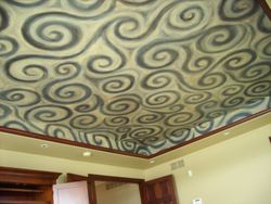 scrolled pattern in a tray ceiling