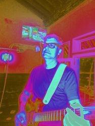 Kurt playing his psychedlic guitar riffs