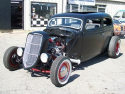 1935 Ford Sedan Hot Rod