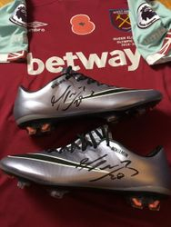 Manuel Lanzini personised and signed match worn boots