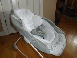Ingenuity Smartbounce Automatic Bouncer Piper - $30