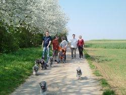 Osterspaziergang mit Freunden