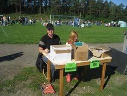 Lasse och Ida i vaccinationen