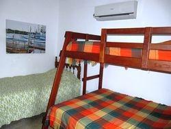 Dormitorio 2 con litera y cama adicional