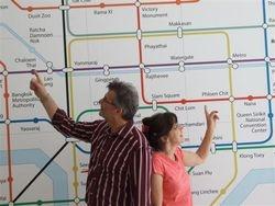 Guiding the way / Wegwijzers in Bangkok