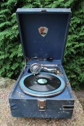 Gramofonas MOLOT. Kaina 92 Eur.