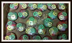 peace cup cakes