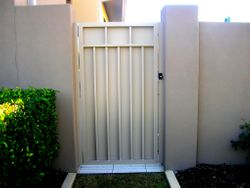 ALUMINIUM GATE WITH ALUMINIUM SHEET