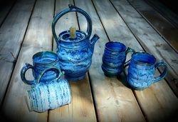 Ripples Tea Pot with 4 Mugs