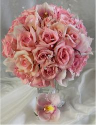 Bridal bouquet with boutonniere