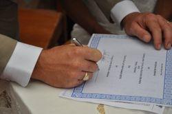 Signing the keep sake certificate