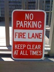 NO PARKING-FIRE LANE