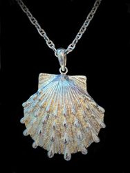 Sterling silver spotted shell pendant