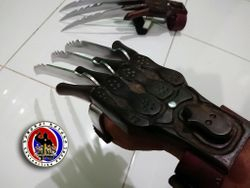 New Custom Made Gauntlet Claw