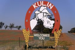 A Welcoming Sign to Kulin - 30 April 2010