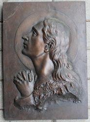 Bareljefas, autorius Zikaras. Kaina 47