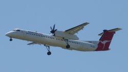 QantasLink Bombardier Dash8-Q400 VH-QOA