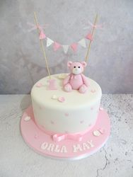 First Birthday Bear and Bunting Cake