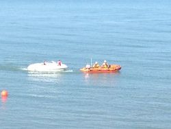 Newcastle RNLI aids two people on leisure craft with engine difficulty