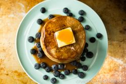 blueberry almond fluffy pancakes