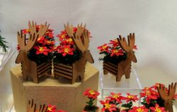 Small reindeer planters