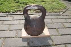 Gyra, svarmuo 24 kg. Kaina 26 Eur.