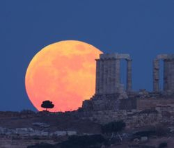 Temple of Poseidon Full Moon