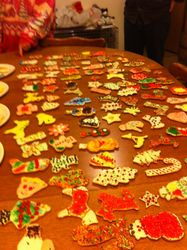 Christmas cookie decorating contest!