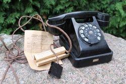 Telefonas VEF. Kaina 82 Eur.